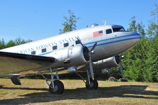 DC-3 Nose and Wing